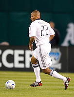 18 April 2009: Tony Sanneh of the Galaxy in action during the game against the Earthquakes at Oakland-Alameda County Coliseum in Oakland, California.   Earthquakes and Galaxy are tied 1-1.