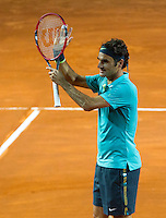 Lo svizzero Roger Federer dopo aver sconfitto in semifinale il connazionale Stan Wawrinka agli Internazionali d'Italia di tennis a Roma, 16 maggio 2015. <br /> Switzerland's Roger Federer celebrates after winning the semifinal match against his compatriot Stan Wawrinka at the Italian Open tennis tournament in Rome, 15 May 2015.<br /> UPDATE IMAGES PRESS/Riccardo De Luca