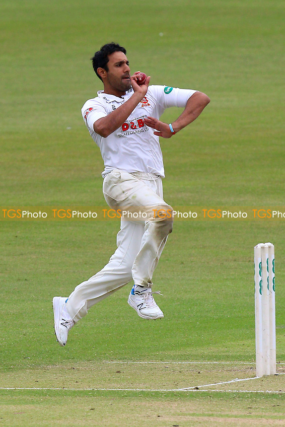 Ravi Bopara in bowling action for Essex during Gloucestershire CCC vs Essex CCC, Specsavers County Championship Division 2 Cricket at Cheltenham College on 15th July 2016