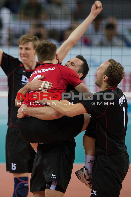 12.05.2012, Armeec Arena, Sofia, BUL, Olympiaqualifikation Volleyball, Halbfinale, Deutschland (GER) vs. Bulgarien (BUL), im Bild Jubel Markus Steuerwald (#2 GER / Paris FRA), Georg Grozer (#9 GER / Belgorod RUS), Marcus Popp (#1 GER / Verona ITA) // during the 2012 Olympic Games European Qualification at Armeec Arena, Sofia, BUL, Semifinal, Germany (GER) vs. Bulgaria (BUL), 2012-05-12. Foto © nph / Kurth *** Local Caption ***