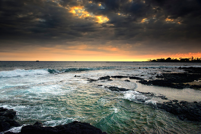 Tide coming in, Kona, Hawaii