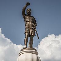 Piazza principale di Skopjie, grandiosi monumenti per incitare al nazionalismo Skopjie main square, monuments to increase nationalism<br /> Filippo il Grande