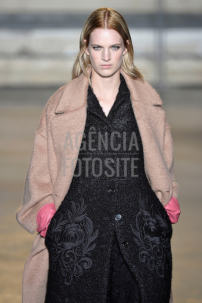 Paris, Franca &ndash; 02/2014 - Desfile de Rochas durante a Semana de moda de Paris - Inverno 2014. <br /> Foto: FOTOSITE