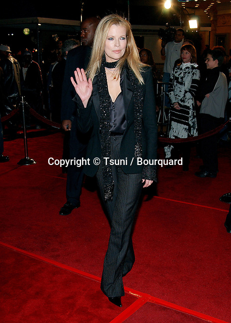 Kim Bassinger arriving at the 8 Mile Premiere at the Westwood Village Theatre in Los Angeles. November 6, 2002.