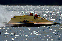 """E-37 """"Hire Voltage"""" (5 Litre Hydroplane) and Harry Holst, E-160 """"Heatwave"""" (1960's Whiteman 280 class cabover hydroplane)"""