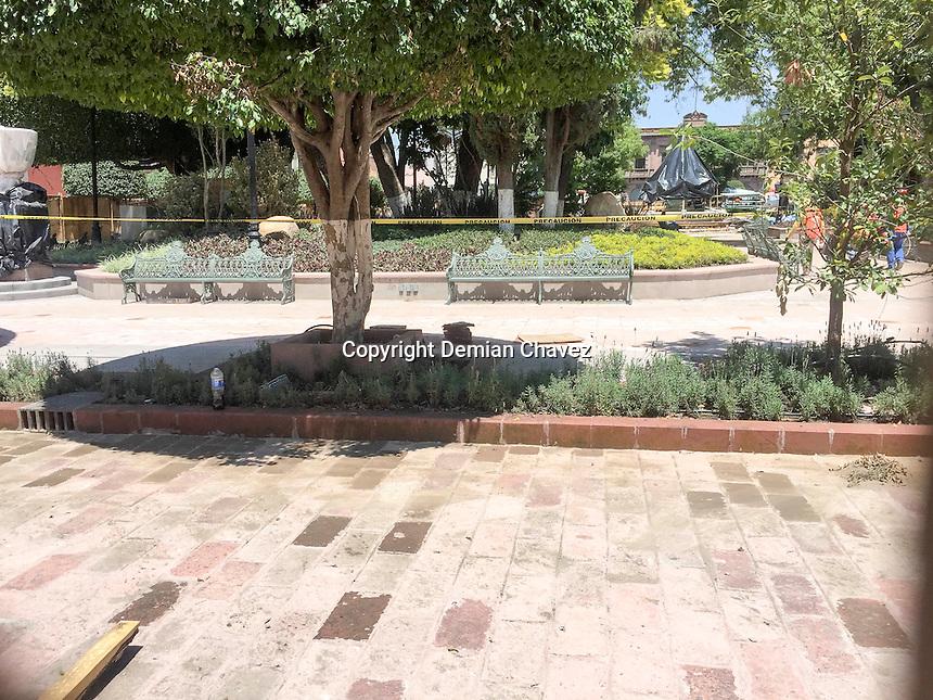 Querétaro, Qro. 29 de agosto de 2016.- Aspectos del avance de la obra de restauración del Jardín Zenea en el corazón del centro Histórico de la capital del estado.