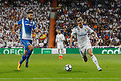 1st October 2017, Santiago Bernabeu, Madrid, Spain; La Liga football, Real Madrid versus Espanyol; Toni Kroos (8) Real Madrid breaks towards goal