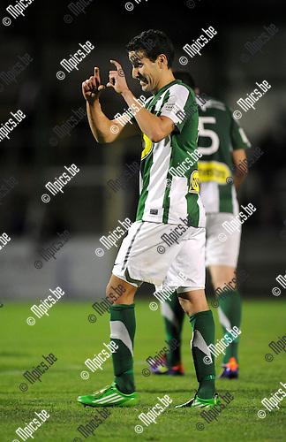 2011-09-14 / Voetbal / seizoen 2011-2012 / Racing Mechelen - Patro Eisden / Rachid Hmouda viert zijn 3-0 ..Foto: Mpics