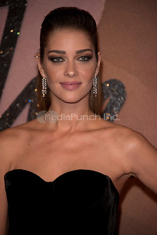 Ana Beatriz Barros<br /> The Fashion Awards 2016 , arrivals at the Royal Albert Hall, London, England on December 05 2016.<br /> CAP/PL<br /> ©Phil Loftus/Capital Pictures /MediaPunch ***NORTH AND SOUTH AMERICAS ONLY***