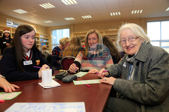 Amy Gregory, Breda Kirwan and Bernadette Carolan at the Bingo Banquet in Sacred Heart.<br /> Picture www.newsfile.ie