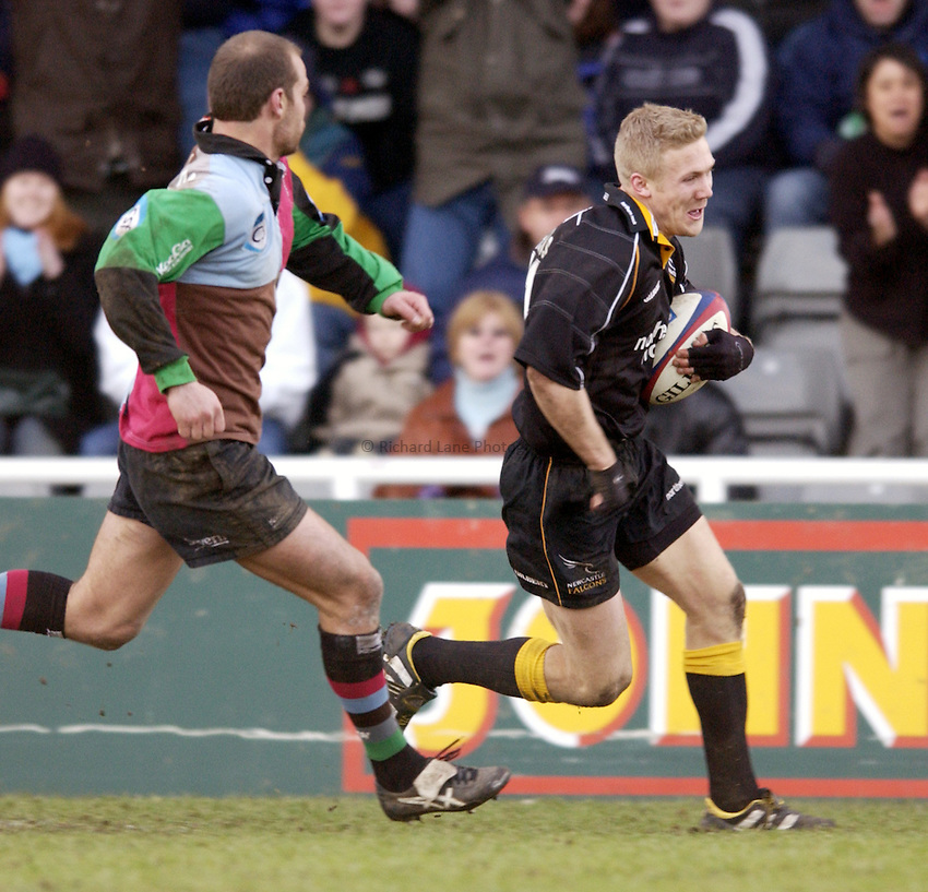 .Photo. Jed Wee.Newcastle Falcons v Harlequins, Zurich Premiership, Kingston Park, Newcastle. 01/02/2003..Newcastle's Michael Stephenson.