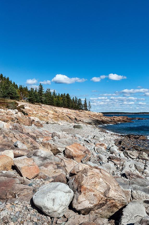 Rocky beach, Winter Harbor, Maine, USA