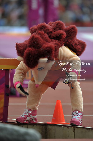 Hero the hedgehog finds there is no water in the steeplechase jump for his fishing trip. IAAF world athletics championships. London Olympic stadium. Queen Elizabeth Olympic park. Stratford. London. UK. 12/08/2017. ~ MANDATORY CREDIT Garry Bowden/SIPPA - NO UNAUTHORISED USE - +44 7837 394578