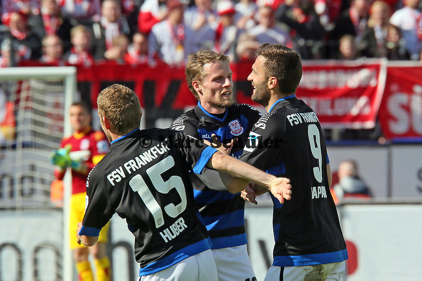 Torjubel um Edmond Kapllani (FSV) beim 1:0- FSV Frankfurt vs. 1. FC Koeln, Frankfurter Volksbank Stadion