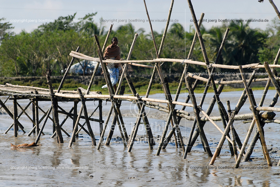 "Asien Suedasien Bangladesh , Bruecke aus Bambus ueber einen Fluss  -  Klimawandel xagndaz | .South asia Bangladesh , bamboo bridge across a river in coastal best of Bengal .| [ copyright (c) Joerg Boethling / agenda , Veroeffentlichung nur gegen Honorar und Belegexemplar an / publication only with royalties and copy to:  agenda PG   Rothestr. 66   Germany D-22765 Hamburg   ph. ++49 40 391 907 14   e-mail: boethling@agenda-fototext.de   www.agenda-fototext.de   Bank: Hamburger Sparkasse  BLZ 200 505 50  Kto. 1281 120 178   IBAN: DE96 2005 0550 1281 1201 78   BIC: ""HASPDEHH"" ,  WEITERE MOTIVE ZU DIESEM THEMA SIND VORHANDEN!! MORE PICTURES ON THIS SUBJECT AVAILABLE!!  ] [#0,26,121#]"