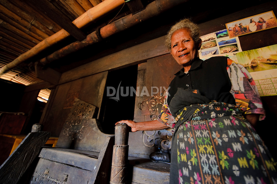 An old woman in Wogo village related the tale of Ebu Gogo inside her traditional house