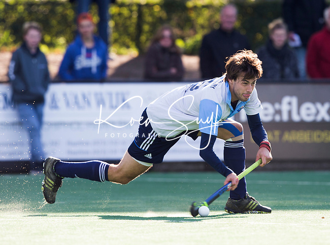 BLOEMENDAAL - HOCKEY - Niek Collot D'Escury van Hurley tijdens   de hoofdklasse competitie wedstrijd tussen de mannen van Bloemendaal en Hurley (1-1) . COPYRIGHT KOEN SUYK