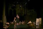 UN TERRAIN ENCORE VAGUE<br /> <br /> Chor&eacute;graphie : Herv&eacute; Robbe<br /> Sculptures : Richard Deacon<br /> Musique : Romain Kronenberg<br /> Lumi&egrave;re : Fran&ccedil;ois Maillot<br /> Danse : Johanna Lemarchand, Herv&eacute; Robbe<br /> Lieu : R&eacute;fectoire des moines, Fondation Royaumont<br /> Le 20/09/2013<br /> &copy; Laurent Paillier / photosdedanse.com