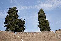 Pompei: turisti visitano il sito archeologico di Pompei.                                      Pompei: Tourists visit the archaeological site of Pompeii