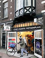 Nederland - Amsterdam 2018. Fietsverhuur op de Wallen. Het Zwarte Fietsenplan.   Foto Berlinda van Dam / Hollandse Hoogte