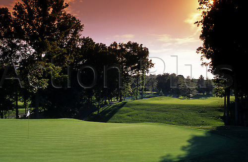 View of the 9th green at the Congressional Country Club, Bethesda, Maryland, USA. Photo: Brian Morgan/actionplus...golf course courses clubs general view views scene scenery spectacular landscape venue american MD ninth 753