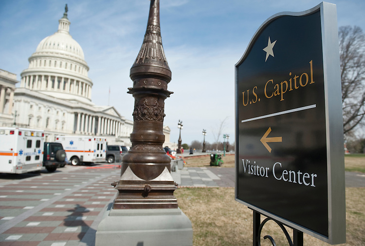 UNITED STATES - MARCH 29: Although the Capitol Visitor Center opened in December 2008, signs directing visitors to the underground facility have just recently been posted around the Capitol grounds. (Photo By Bill Clark/Roll Call)