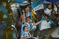 BUENOS AIRES, ARGENTINA, 23.04.2014 - LIBERTADORES DA AMÉRICA - SAN LORENZO X GREMIO - <br /> Torcedor do Grêmio,  durante partida contra o San Lorenzo, da Argentina, jogo pelas oitavas de final da Copa Libertadores, realizada no Estádio Nuevo Gasómetro, em Buenos Aires, nesta quarta-feira. (Foto: Juani Roncoroni / Brazil Photo Press).