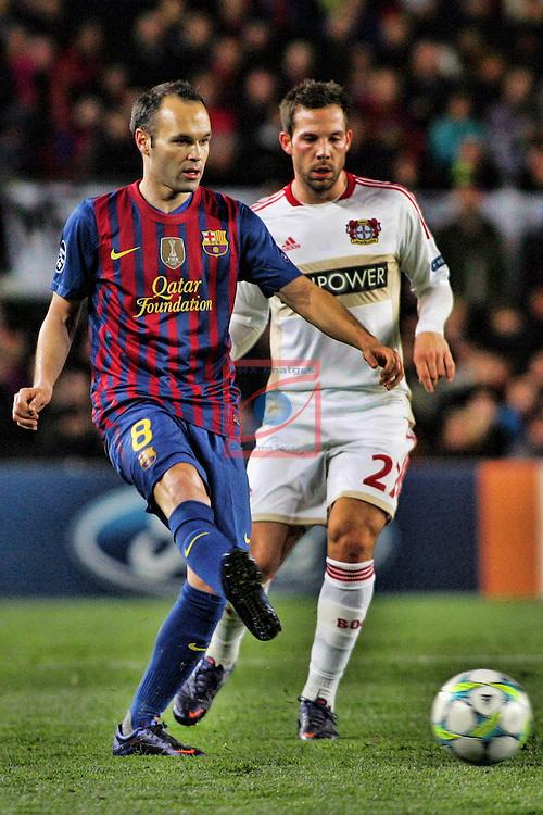 Andres Iniesta vs Gonzalo Castro - FC Barcelona vs Bayern Leverkusen: 7-1 - UEFA Champions League 2012 - Octavos Final.
