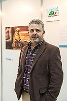 Preisverleihung &quot;UNICEF-Fotos des Jahres 2018&quot;.<br /> First Lady Elke Buedenbender, Schirmherrin von UNICEF Deutschland, zeichnete am Donnerstag den 20 Dezember 2018 in Berlin den Spanischen Fotografen Antonio Aragon Renuncio (im Bild) als Gewinner des &quot;UNICEF-Fotos des Jahres&quot; 2018 aus. <br /> Das Siegerfoto von Antonio Aragon Renuncio zeigt das Portrait eines kleinen Jungen mit Beinprotesen im &quot;Saint Louis Orione-Zentrum&quot; in Bombouaka, Togo. Das Zentrum ist Zuflucht fuer koerperlich oder geistig behinderte Kinder, welche von ihren Familien verstossen wurden.<br /> 20.12.2018, Berlin<br /> Copyright: Christian-Ditsch.de<br /> [Inhaltsveraendernde Manipulation des Fotos nur nach ausdruecklicher Genehmigung des Fotografen. Vereinbarungen ueber Abtretung von Persoenlichkeitsrechten/Model Release der abgebildeten Person/Personen liegen nicht vor. NO MODEL RELEASE! Nur fuer Redaktionelle Zwecke. Don't publish without copyright Christian-Ditsch.de, Veroeffentlichung nur mit Fotografennennung, sowie gegen Honorar, MwSt. und Beleg. Konto: I N G - D i B a, IBAN DE58500105175400192269, BIC INGDDEFFXXX, Kontakt: post@christian-ditsch.de<br /> Bei der Bearbeitung der Dateiinformationen darf die Urheberkennzeichnung in den EXIF- und  IPTC-Daten nicht entfernt werden, diese sind in digitalen Medien nach &sect;95c UrhG rechtlich geschuetzt. Der Urhebervermerk wird gemaess &sect;13 UrhG verlangt.]