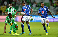 MEDELLÍN-COLOMBIA, 01-09-2019: Helibelton Palacios, Andrés Reyes de Atlético Nacional y Hansel Zapata, Felipe Banguero de Millonarios disputan el balón, durante partido de la fecha 9 entre Atlético Nacional y Millonarios, por la Liga Águila II 2019, jugado en el estadio Atanasio Girardot de la ciudad de Medellín. / Helibelton Palacios, Andres Reyes of Atletico Nacional and Hansel Zapata, Felipe Banguero of Millonarios figth for the ball, during a match of the 9th date between Atletico Nacional and Millonarios, for the Aguila Leguaje II 2019 played at the Atanasio Girardot Stadium in Medellin city. / Photo: VizzorImage / León Monsalve / Cont.