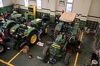 TURKEY Sakarya, John Deere Distributor, tractor workshop / TUERKEI Sakarya, John Deere Haendler, Traktoren Werkstatt
