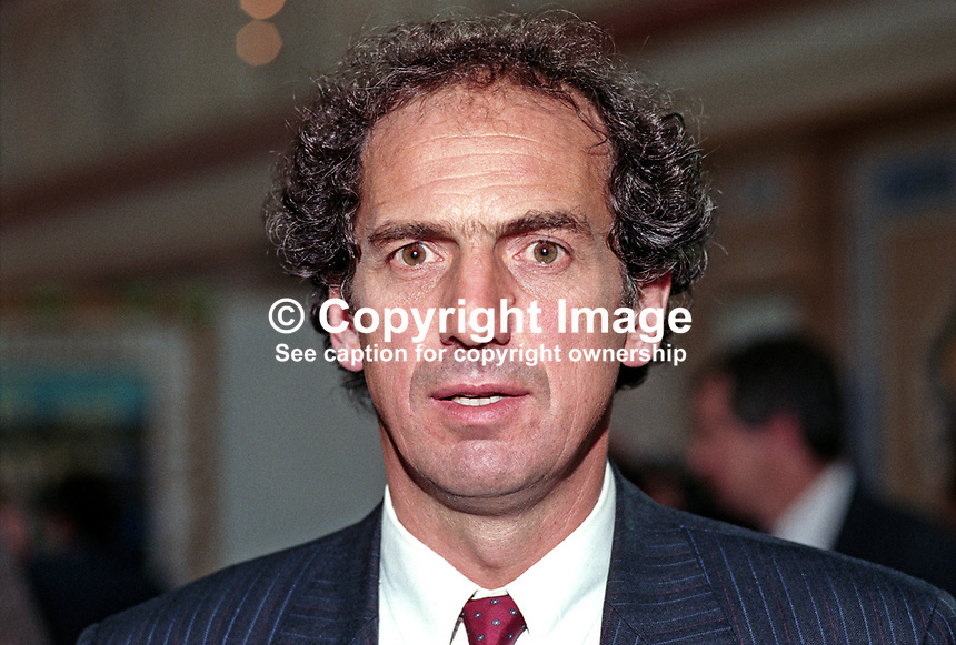 Dr Kim Howells, MP, Labour Party, Pontypridd, UK, 19901007008.<br />