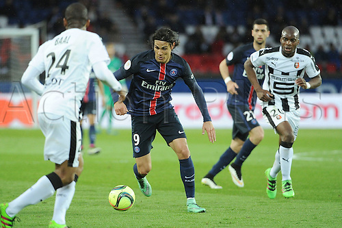 29.04.2016. Paris, France. French league 1 football. Paris St German versus Rennes.  Yacouba SYLLA (ren) covers EDINSON CAVANI (psg)
