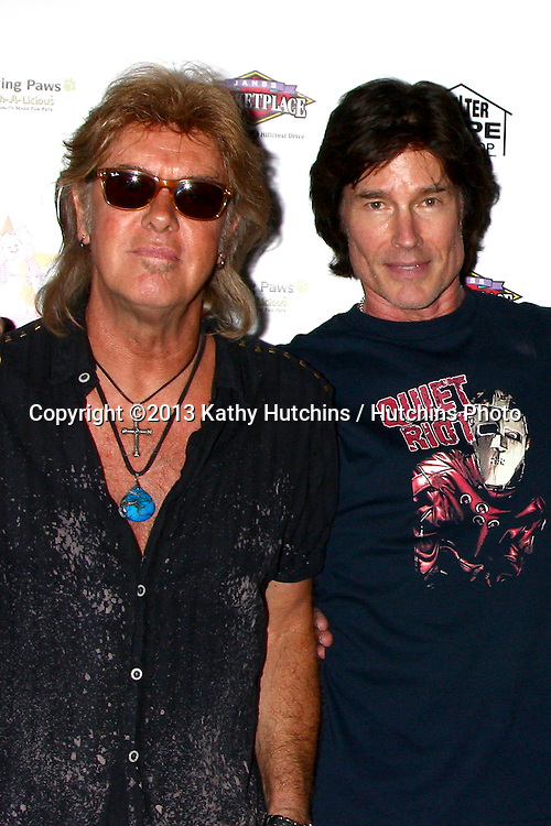 LOS ANGELES - JUN 3:  Peter Beckett, Ronn Moss of Player at the Player Concert celebrating Devin DeVasquez 50th Birthday to benefit Shelter Hope Pet Shop at the Canyon Club on June 3, 2013 in Agoura, CA