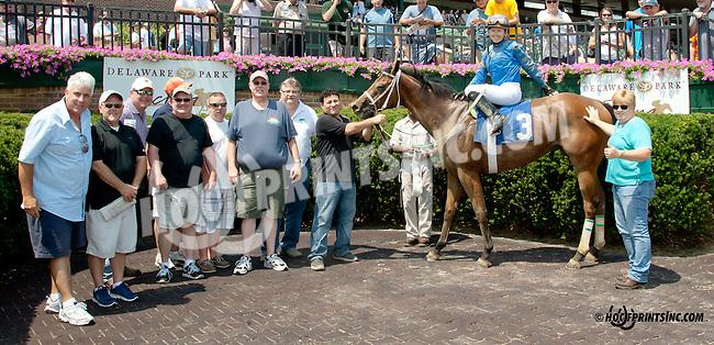 Barracuda Wayne winning at Delaware Park on 7/12/14