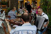 Heurigenlokal Bach-Hengel Sandgasse 7 in Grinzing bei Wien, Österreich<br /> Heurigenlokal Bach-Hengel Sandgasse 7 in Grinzung near Vienna, Austria