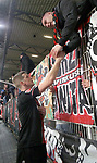 15.02.2020, Stadion an der Wuhlheide, Berlin, GER, 1.FBL, 1.FC UNION BERLIN  VS. Bayer Leverkusen, <br /> DFL  regulations prohibit any use of photographs as image sequences and/or quasi-video<br /> im Bild Lars Bender (Bayer Leverkusen #8) bei den Leverkusener-Fans<br /> <br /> <br />      <br /> Foto © nordphoto / Engler