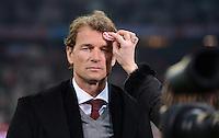 FUSSBALL  CHAMPIONS LEAGUE  ACHTELFINALE  HINSPIEL  2012/2013      FC Bayern Muenchen - FC Arsenal London     13.03.2013 TV Experte Jens Lehmann bekommt die Stirn gepudert