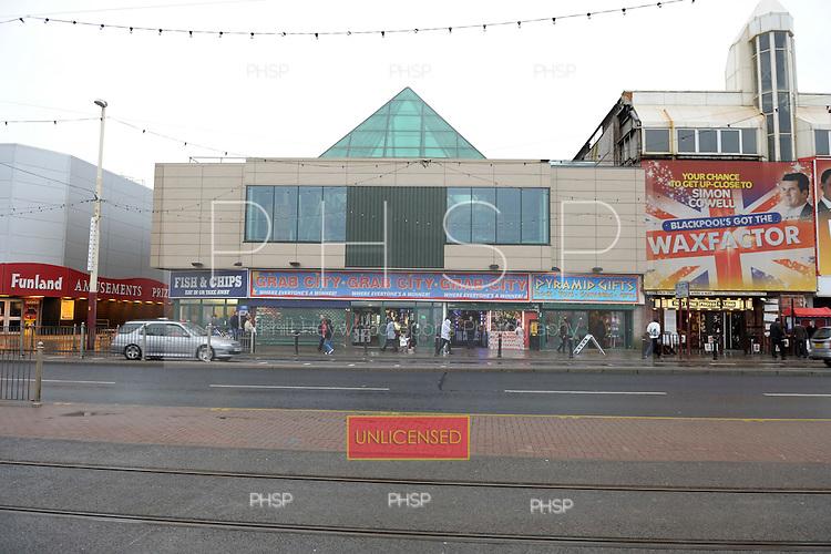 Grab City,  Promenade, Blackpool Lancashire UK......© Phill Heywood.