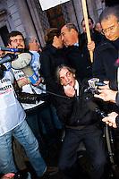 Roma, 4 Gennaio 2011.Sit-in dei partiti contro la decisione  del Brasile di non concedere l'estradizione all'ex terrorista dei Pac (Proletari Armati per il Comunismo)  Cesare Battisti condannato a quattro ergastoli per omicidio.Alberto Torregiani (figlio del gioielliere assassinato da Battisti nel 1979).Rome, January 4, 2011.Sit-in  of the Political parties, in front of the Embassy of Brazil in Piazza Navona, for the decision of Brazil, not to grant the extradition of former terrorist Pac (Armed Proletarians for Communism), Cesare Battisti was sentenced to four life sentences for murder.