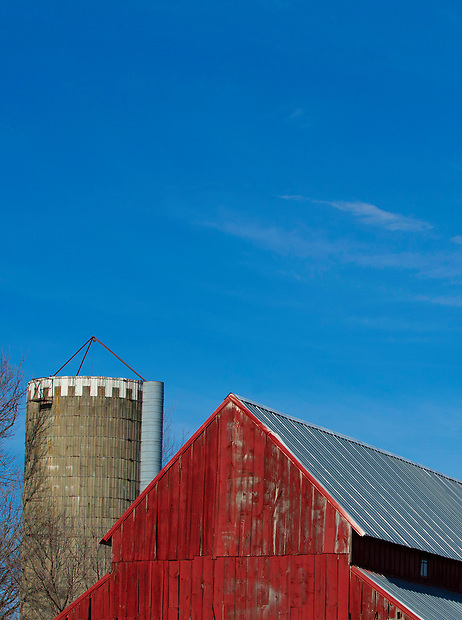 A barn and silo near Dallas Center, Iowa.