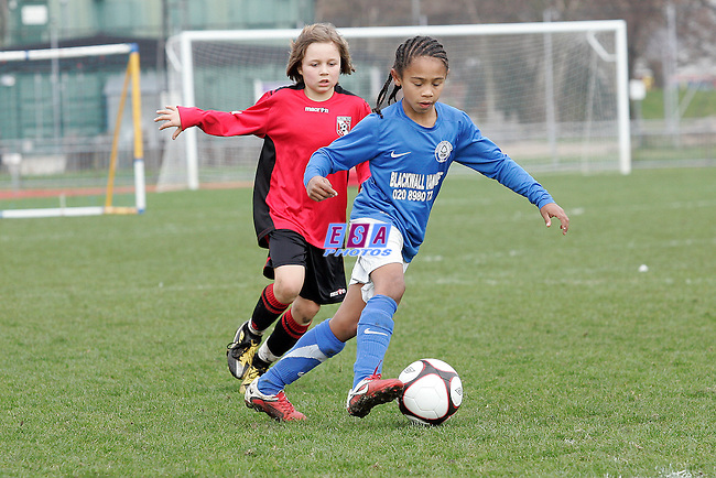 GLEBE LIONS v WESTSIDE BOYS<br /> LONDON FA CUP FINAL (U9) SUNDAY 11TH MARCH 2012 MILE END STADIUM