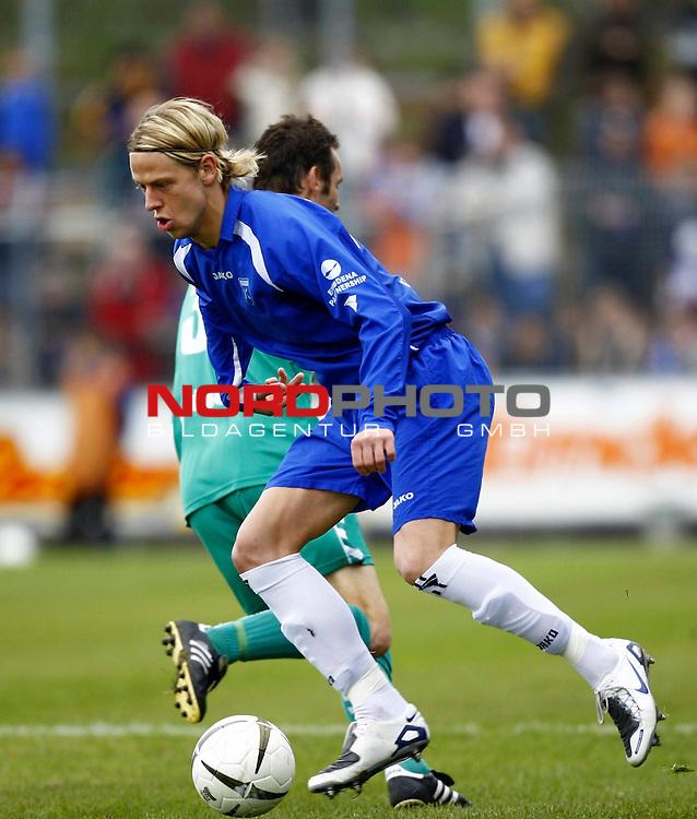 RLN 2007/2008 32. Spieltag  R&uuml;ckrunde<br /> BSV Kickers Emden -  VfB L&uuml;beck<br /> Marcel Reichwein (Kickers Emden # 17)<br /> Foto &copy; nph (  nordphoto  )<br /> <br /> <br /> <br />  *** Local Caption ***