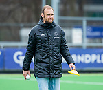 AMSTELVEEN -  assistent-coach Daan Sabel (Pin)  tijdens de hoofdklasse competitiewedstrijd dames, Pinoke-Amsterdam (3-4). COPYRIGHT KOEN SUYK
