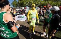 26 APR 2009 - LONDON,GBR - Fintan Culwin - London Marathon. (PHOTO (C) NIGEL FARROW)