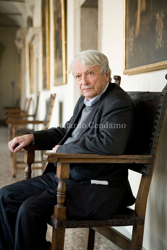 2008 PEDRAG MATVEJEVIC WRITER E PROF DI LRTTERATURA MEDITERRANEO A ROMA  © Leonardo Cendamo