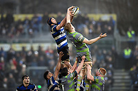 Paul Grant of Bath Rugby competes with Andrew Davidson of Newcastle Falcons for the ball at a lineout. Anglo-Welsh Cup match, between Bath Rugby and Newcastle Falcons on January 27, 2018 at the Recreation Ground in Bath, England. Photo by: Patrick Khachfe / Onside Images