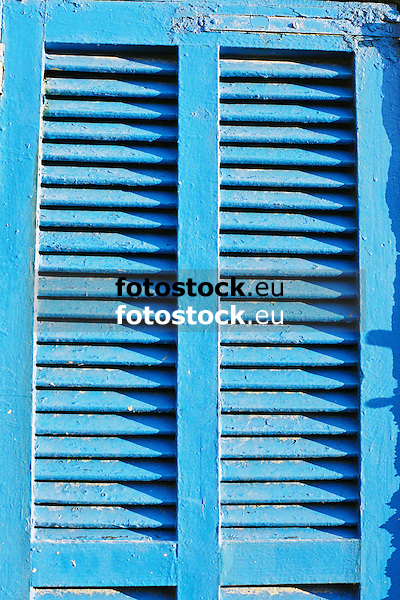 typical blue painted window shutter<br /> <br /> t&iacute;pica persiana azul<br /> <br /> typischer blauer Fensterladen<br /> <br /> 3360 x 2240 px<br /> Original: 35 mm