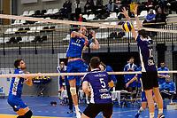 GRONINGEN - Volleybal, Lycurgus - Vocasa, Eredivisie, seizoen 2019-2020, 08-02-2020,  Lycurgus speler Sander Scheper slaat de bal langs het blok