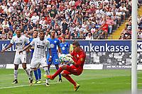 Glanzparade Torwart Koen Casteels (VfL Wolfsburg - 26.08.2017: Eintracht Frankfurt vs. VfL Wolfsburg, Commerzbank Arena, 2. Spieltag Bundesliga